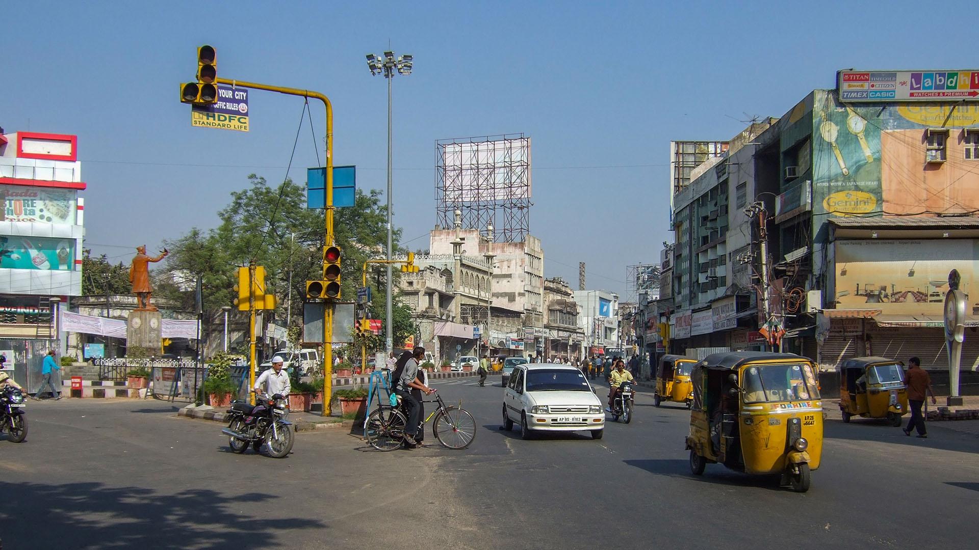 Hyderabad'tan bir cadde