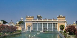Chowmahalla Sarayı