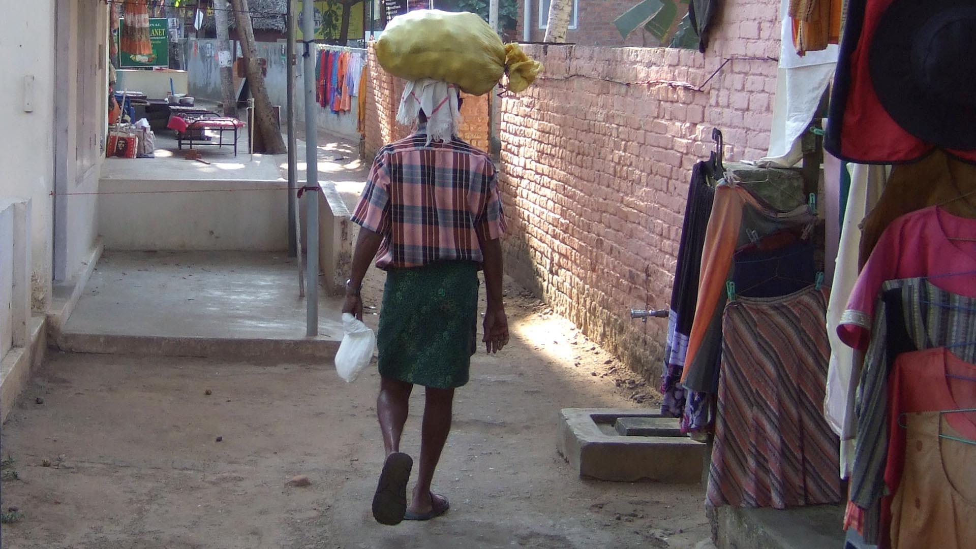 Lungi, geleneksel erkek giysisi