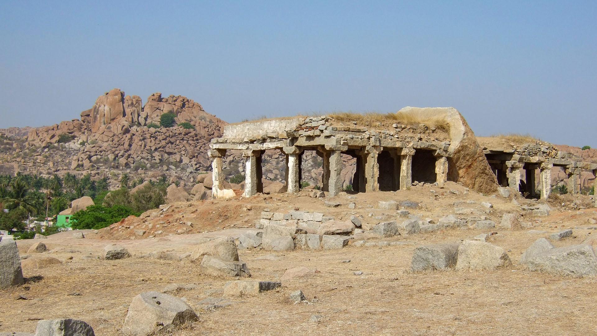 Bir tapınak