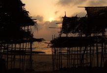 Bir gece önce Anjuna pazarı