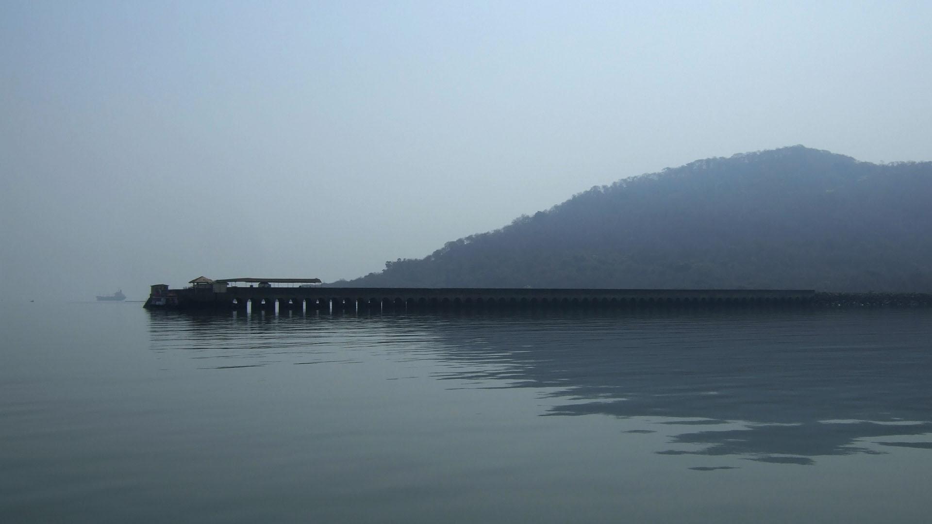 Mumbai çevresinden bir ada