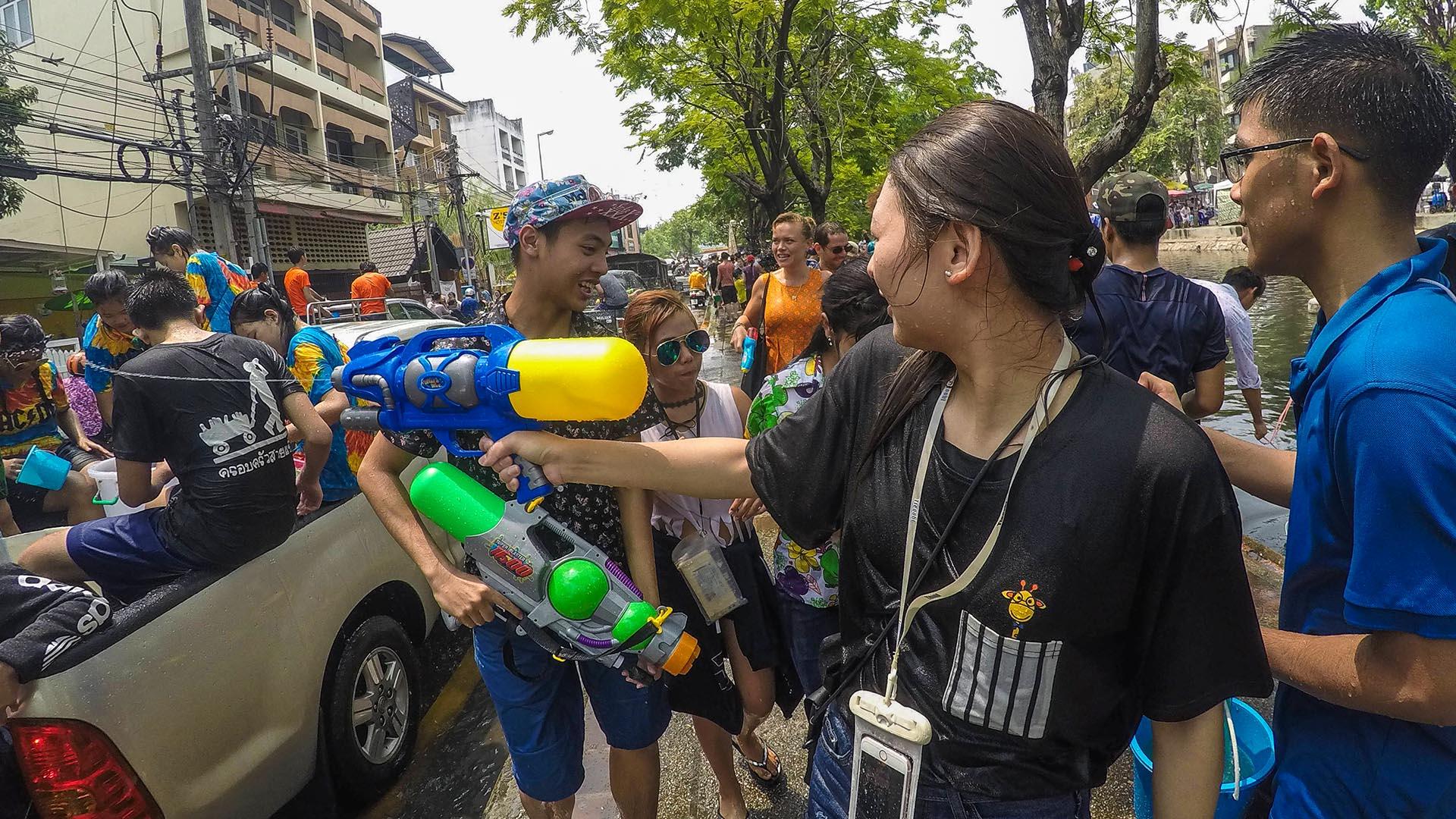 Su tabancası ile su savaşları