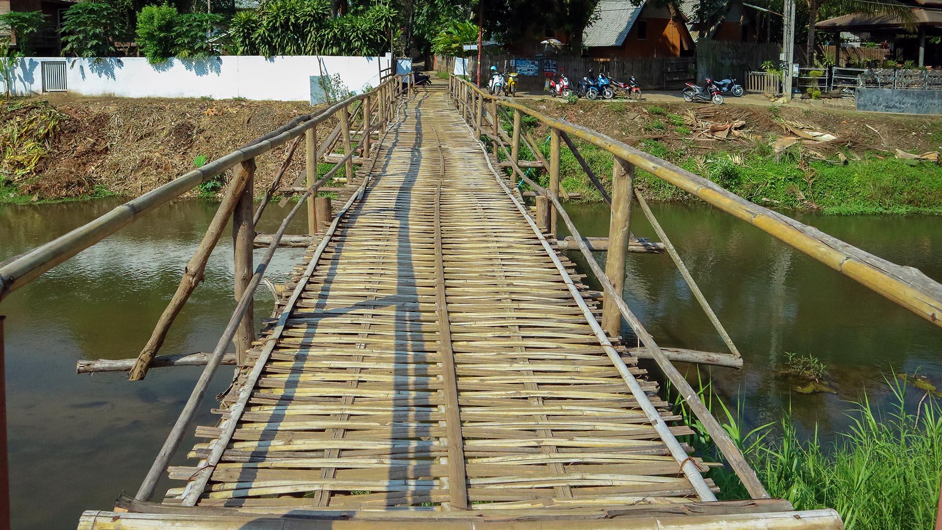 Bambu köprü, Pai